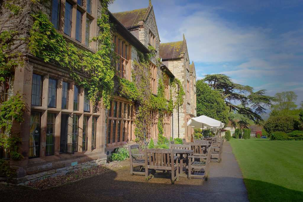 Warwickshire: Billesley Manor Hotel with Dinner