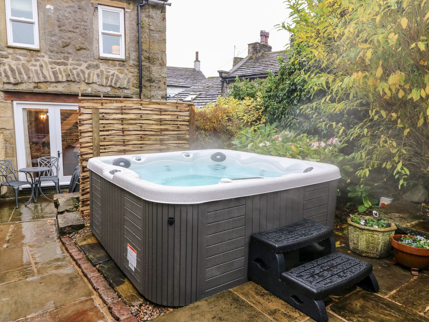 Yorkshire Dales: Cosy Cottage Retreat