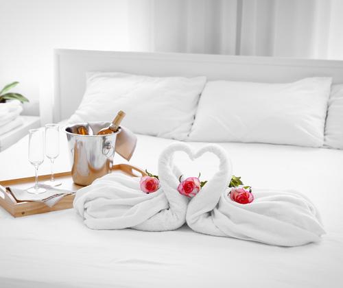 Luxury Stay with Dinner & Fizz winning bidder