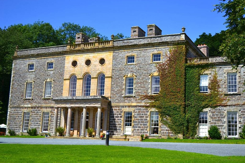 Mid Wales: Mansion Hotel