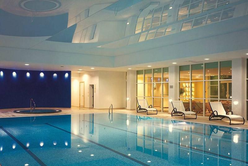 Berkshire: Modern Spa Hotel