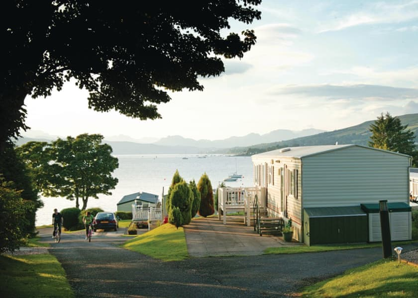 Southern Highlands: Seaside break to the Tranquil Rosneath Castle Park