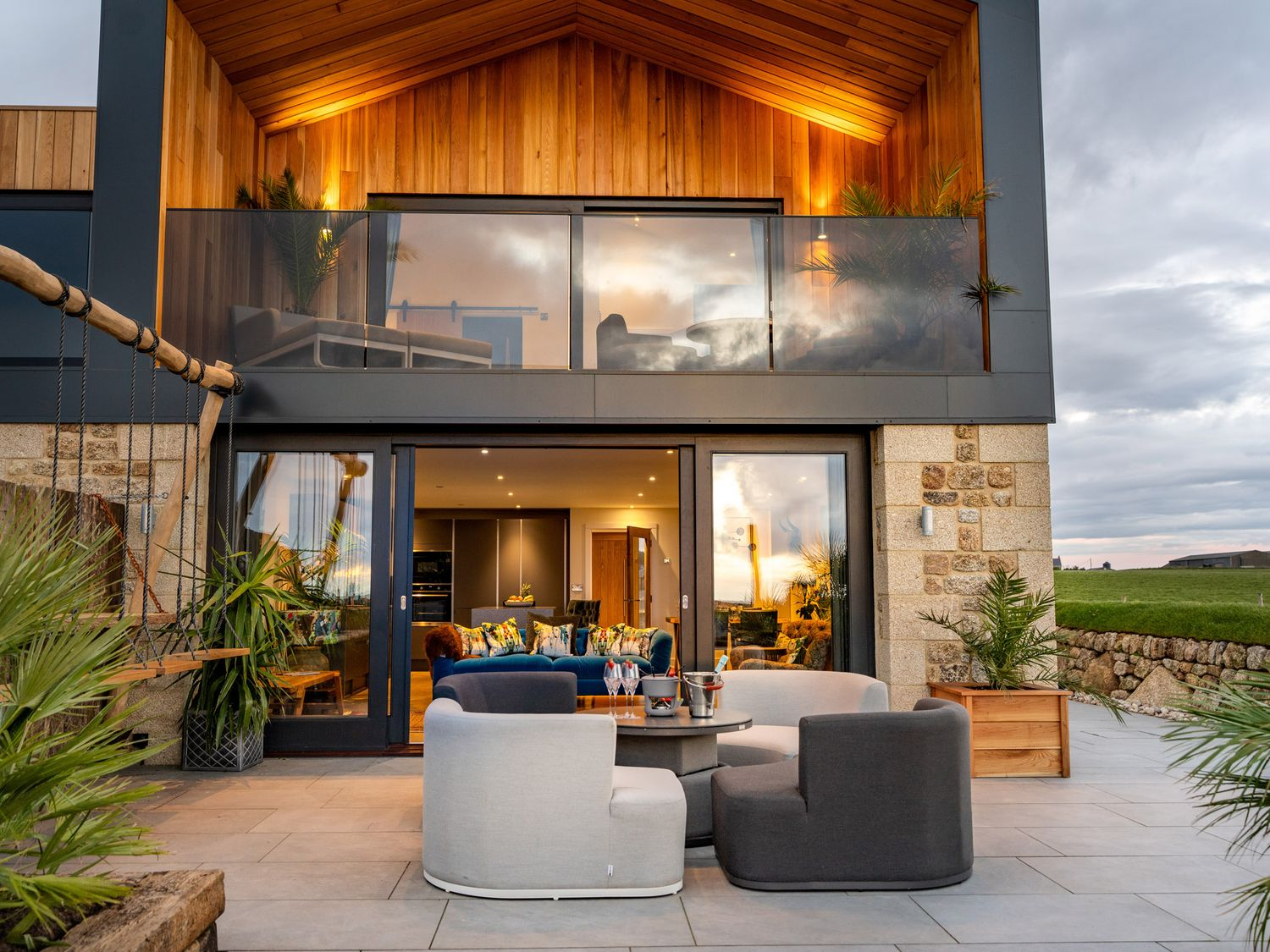 Cornwall: 5 Star Luxurious stay with Hot Tub